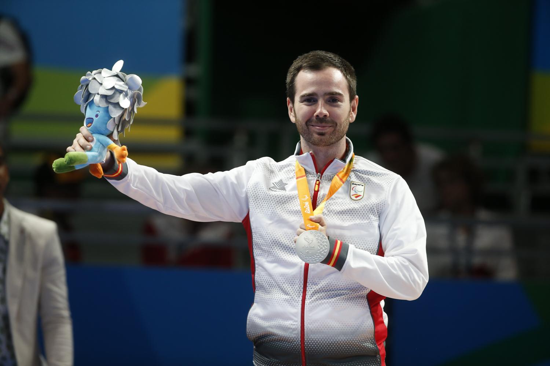 Alvaro Varela logra la medalla de plata en tenis de mesa individual, categoría clase 6.