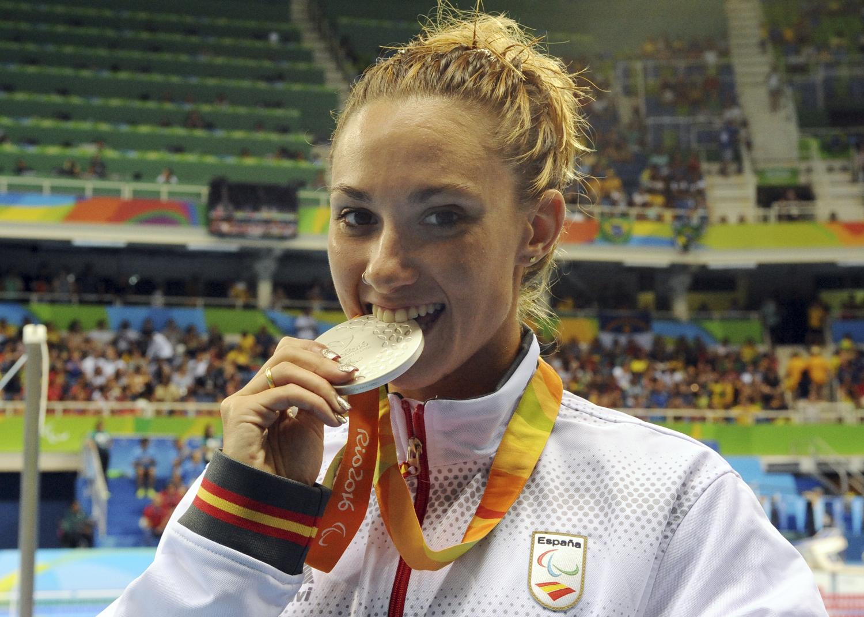 Sarai Gascón, medalla de plata en 100 metros libres