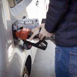 Cómo ahorrar gasolina en tu coche: 10 consejos clave