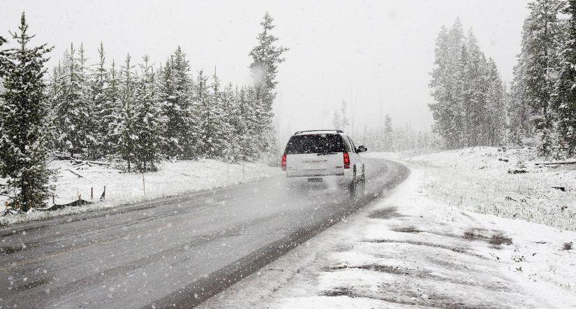 que llevar en el coche en invierno