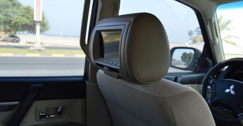 como ver una pelicula en el coche