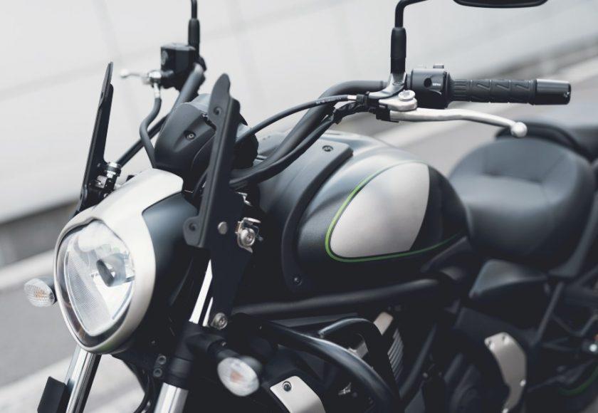 como hacer un correcto mantenimiento de una moto electrica