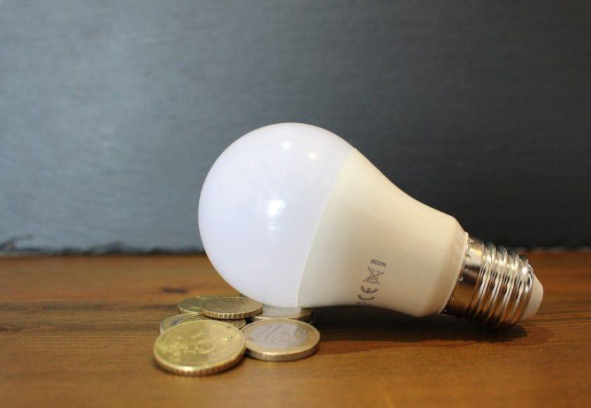 como afecta el precio de la luz a los coches electricos